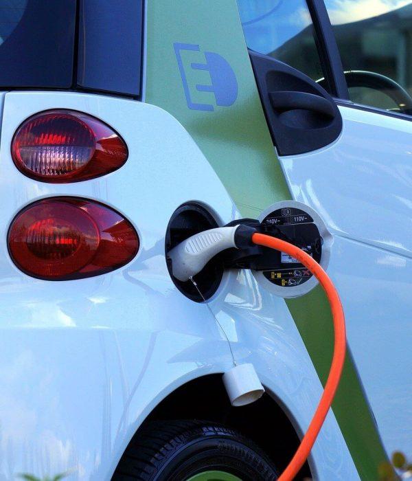 electric-car-1458836_1920 (1)